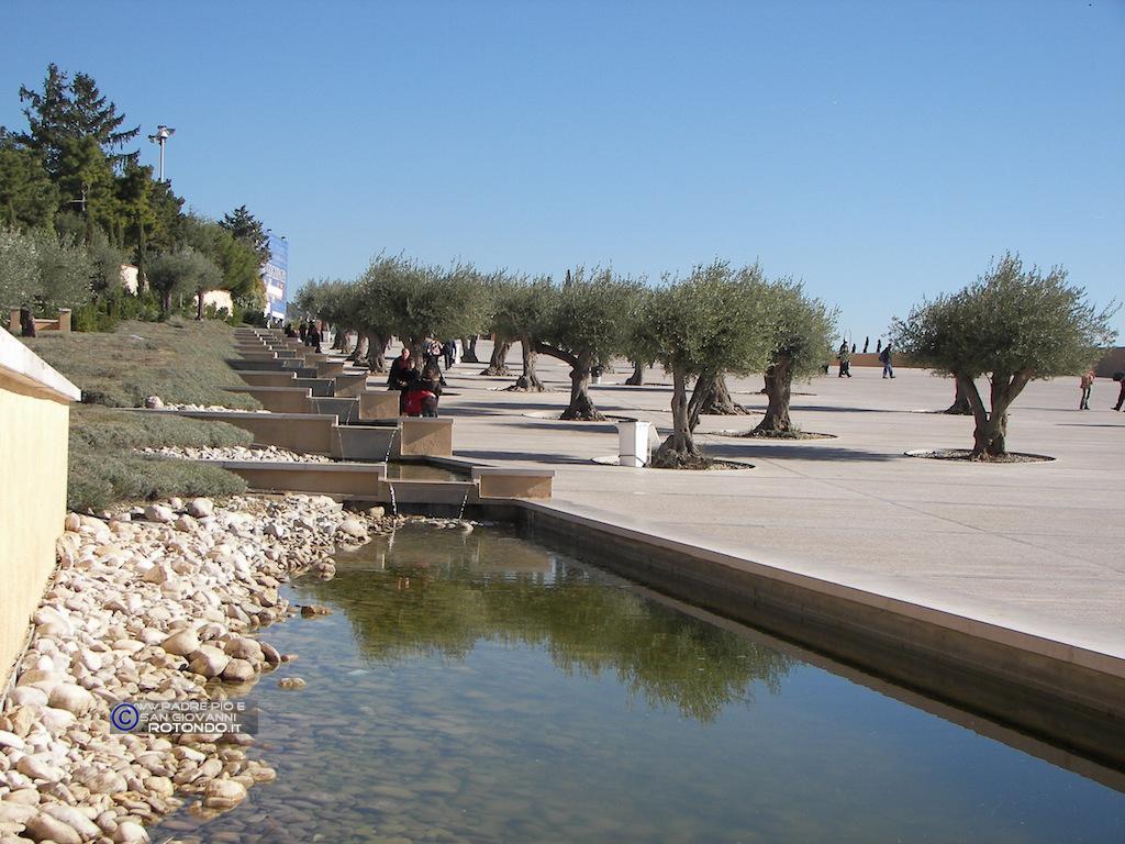 Sagrato Della Chiesa S. Pio Da Pietrelcina Di Renzo Piano