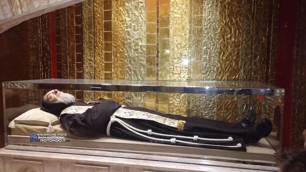 Le Spoglie Di San Pio Da Pietrelcina