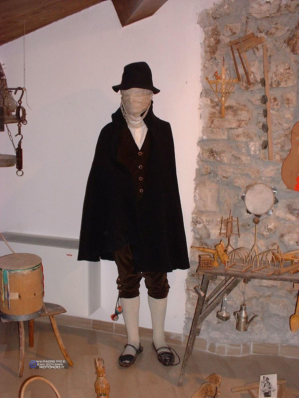 Costume Maschile Sagiovannese