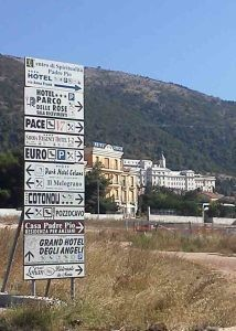 varie_cartelli_stradali-214x300