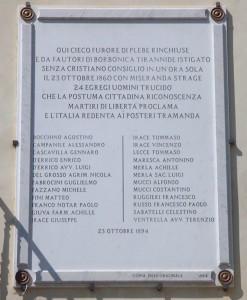 Lapide commemorativa dei ventiquattro martiri della libertà di San Giovanni Rotondo.