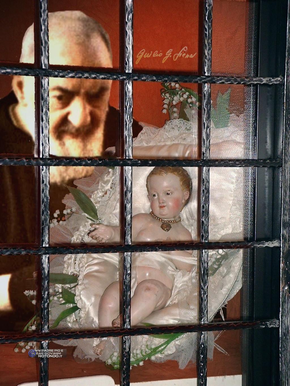 Il Bambinello Di Padre Pio. Fotomontaggio