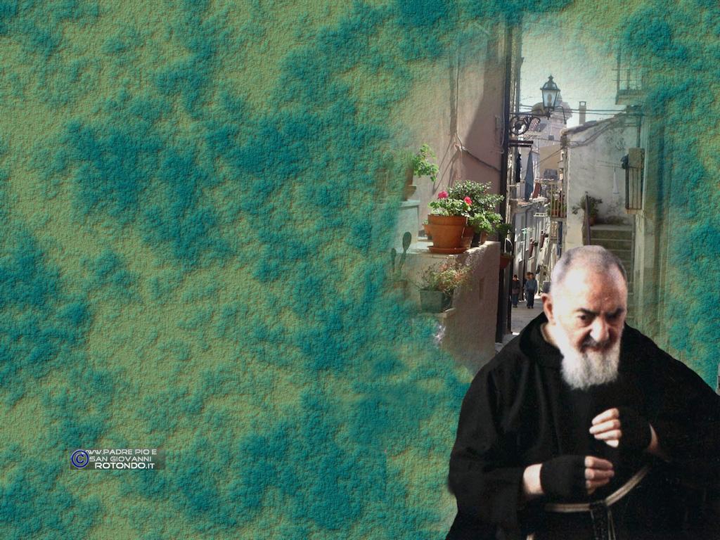 Padre Pio Nel Centro Storico - Fotomontaggio