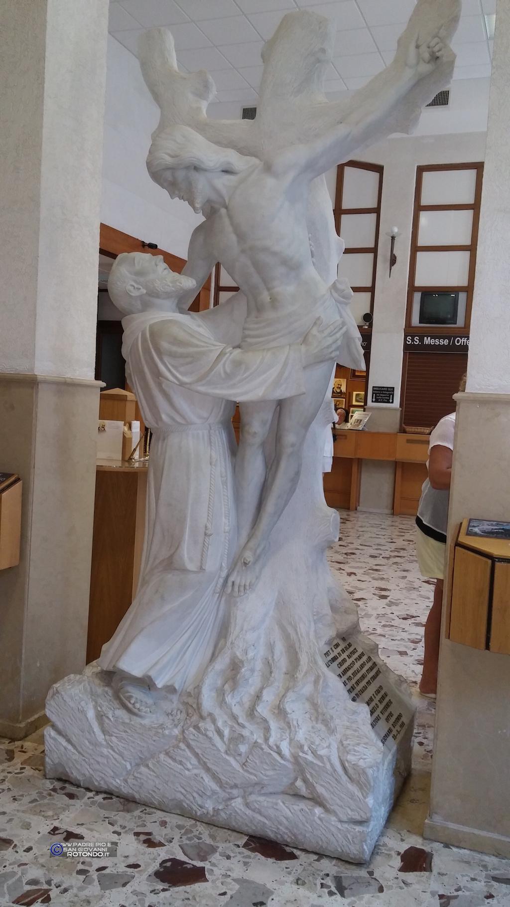 Statua Dello Scultore Angelo Bernini