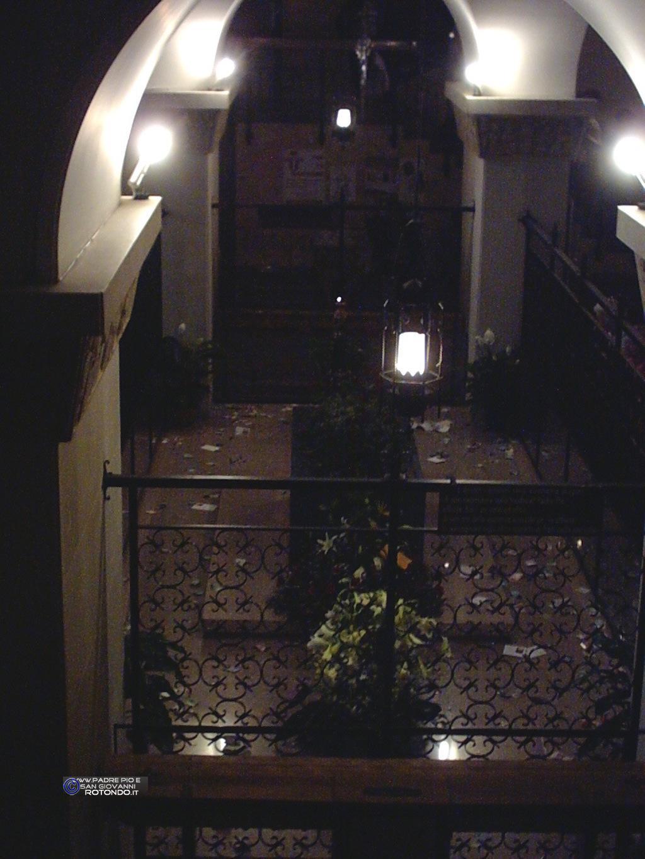 Tomba Di P. Pio Nella Vecchia Cripta