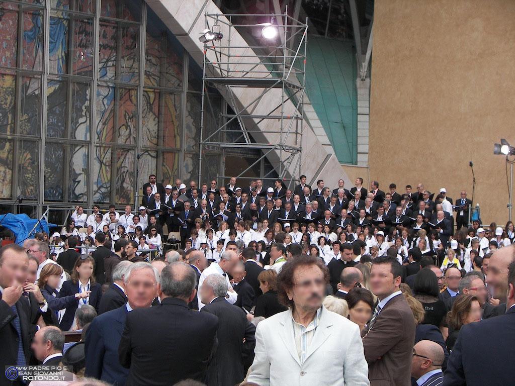 Sagrato Chiesa S. Pio Da Pietrelcina